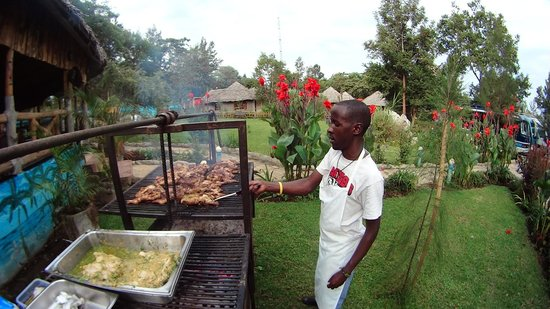 The Vijiji Center Lodge & Safari : top quality barbecue