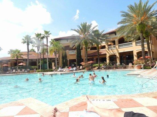 Floridays Resort : Pool area