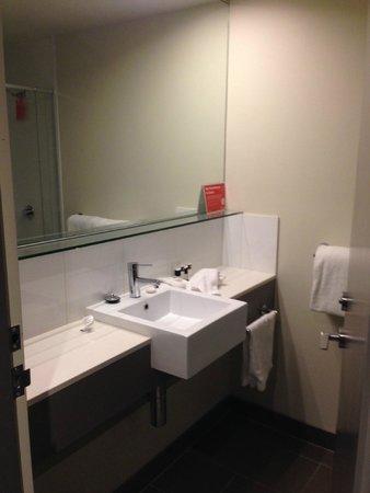 Travelodge Hotel Melbourne Docklands: Room 820