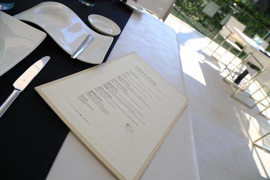 Hotel Damianii: Frühstückskarte