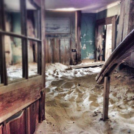 Luderitz, Namibia: Le sable fige l'histoire