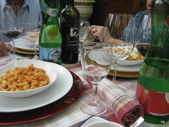 Aciniello: i primi e la tavola