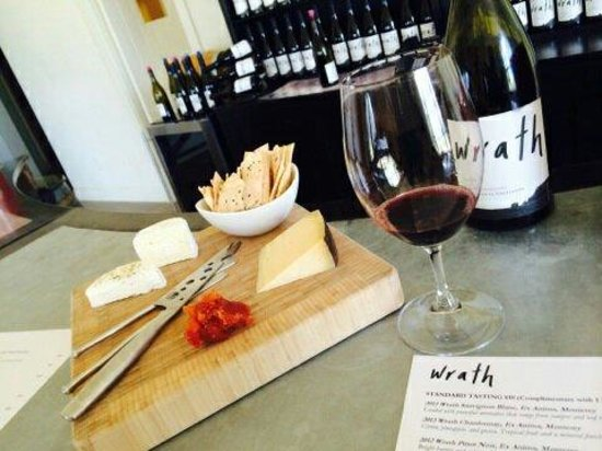 Wrath Winery: Mm cheese and wine delicious.