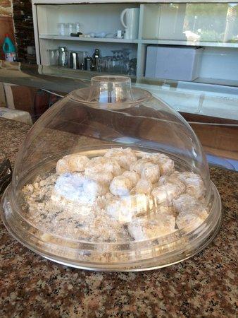 Jupiter Hotel: Jupiter Morning Snack Bar ! Not Joking Either !
