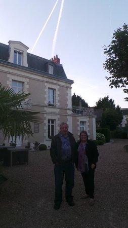 Le Pavillon des Lys: front of hotel