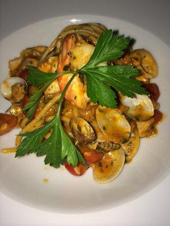 Al Borgo: Pasta com frutos do mar