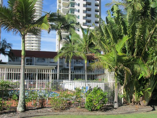 Key Largo Apartments: View from outside