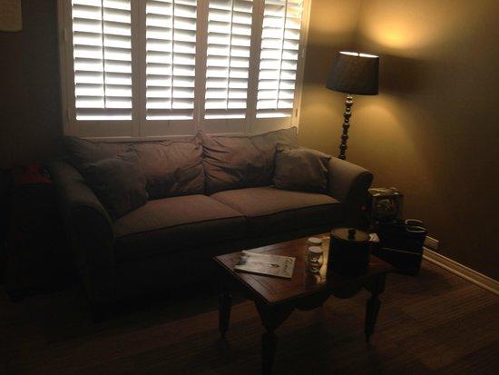 Hadsten House: Sofa & Coffee Table