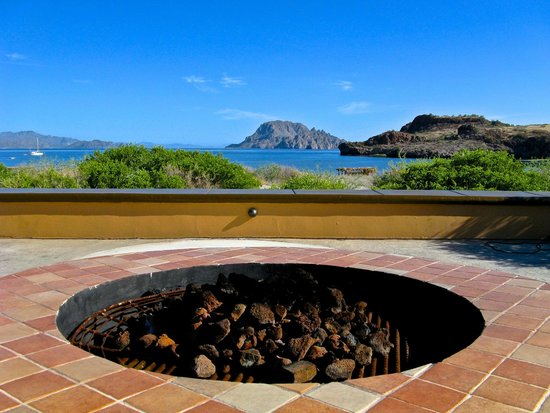 Villa del Palmar Beach Resort & Spa at The Islands of Loreto: A fire pit overlooking the bay