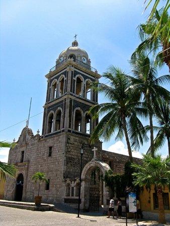 Villa del Palmar Beach Resort & Spa at The Islands of Loreto: The mission downtown
