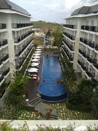The Jimbaran View: Swimming Pool