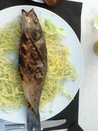 Pati Blau: The sea bream cooked on a grill to perfection!