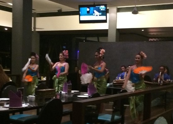 Novotel Phuket Kata Avista Resort and Spa: Friday night Thai dancing