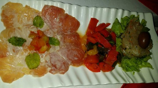 Danima Resort & Restaurant : Antipasto con carpaccio e tartare (favoloso!)