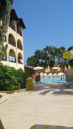 Hotel Club Tropical Beach: Basen 1