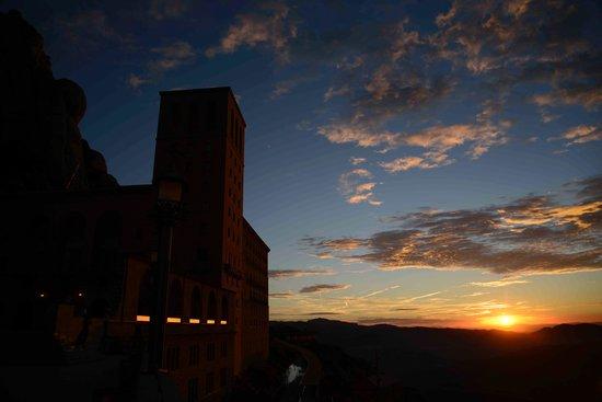 Montserrat Monastery: Pagi yang segar