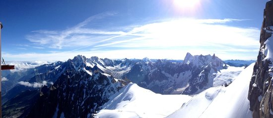 Aiguille du Midi: The view was breathtaking!!  You felt a bit lightheaded with the high altitude!!