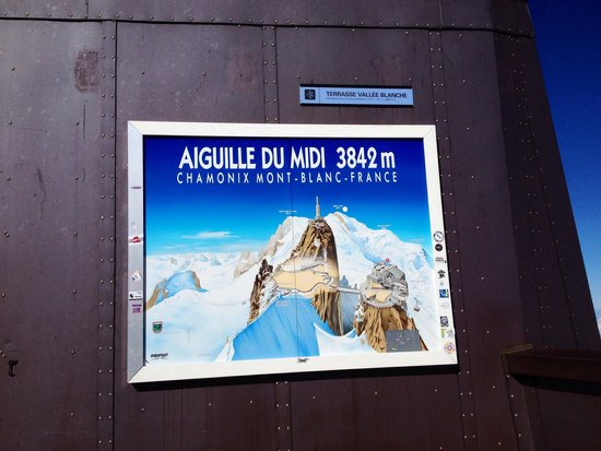 Aiguille du Midi: The sign from the top of Mont Blanc.