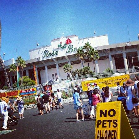 Rose Bowl Stadium: rose bowl flea market