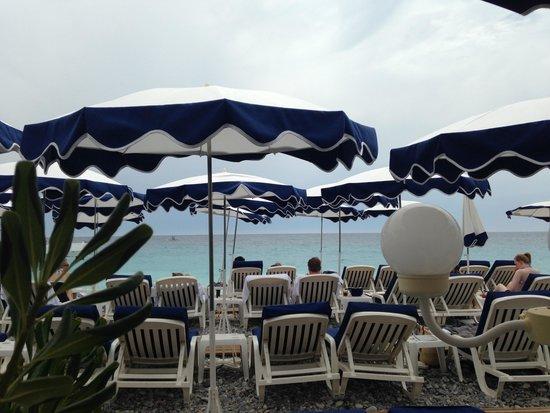 Hotel Le Royal: пляж Лидо, напротив отеля