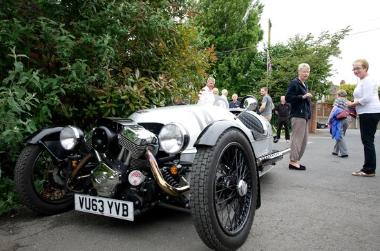 Morgan Motor Company: Nice