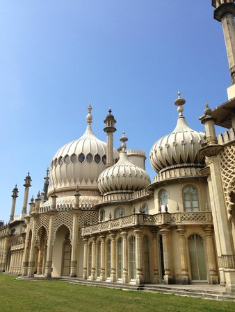 Royal Pavilion: Outside - opposite side to gardens