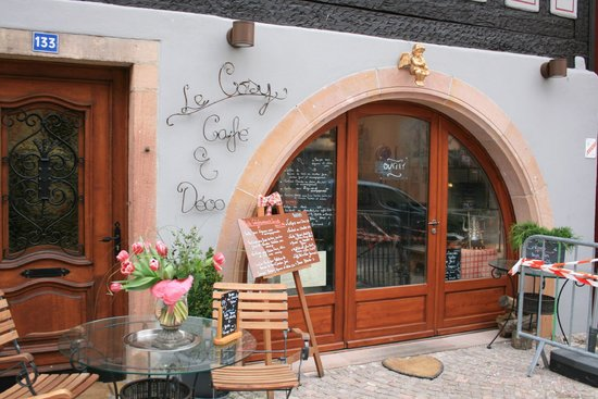 Le Cosy Cafe Deco