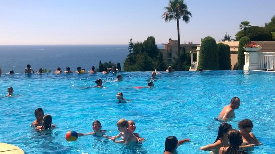 Pierre & Vacances Résidence Cannes Villa Francia : Deilig basseng med utsikt