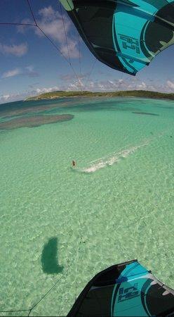 40Knots Kitesurfing & Windsurfing School Antigua: Lovely shallow water