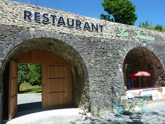 La porte d 39 entr e picture of la terrasse louverne - Porte terrasse ...