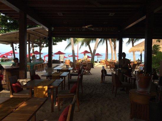 Anantara Rasananda Koh Phangan Villas : Bistro restaurant @ the beach