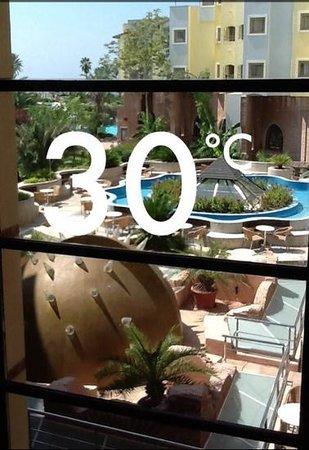Limak Arcadia Golf & Sport Resort: Very Hot In the Summer