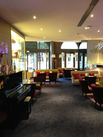 Mercure Nantes Centre Grand Hotel : Le bar