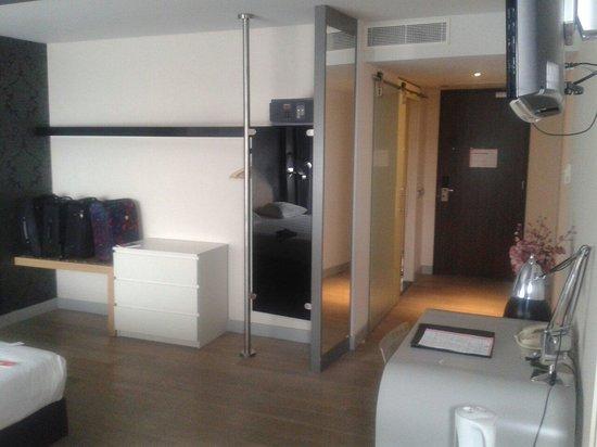 Apollo Hotel Almere City Centre: Storage and workspace