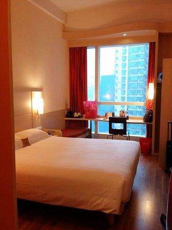 Ibis Hong Kong Central & Sheung Wan Hotel: HOTEL ROOM