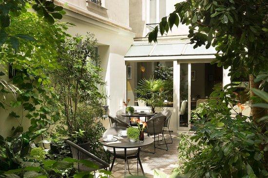 BEST WESTERN La Villa Des Artistes : Hotel Garden
