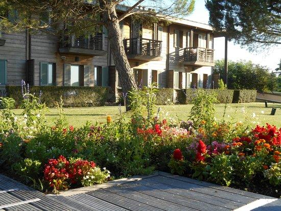 Residence les vignes jonzac france voir les tarifs et for Appart hotel jonzac