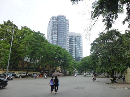 Melia Hanoi : ホテル全景