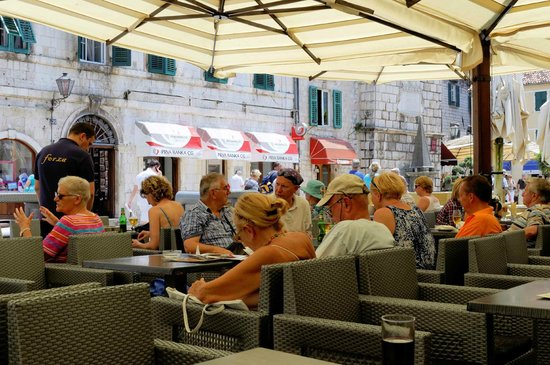 Atlas Croatia : Refreshments - Kotor
