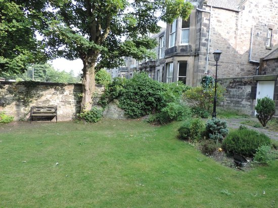 Abercorn Guest House: Jardin