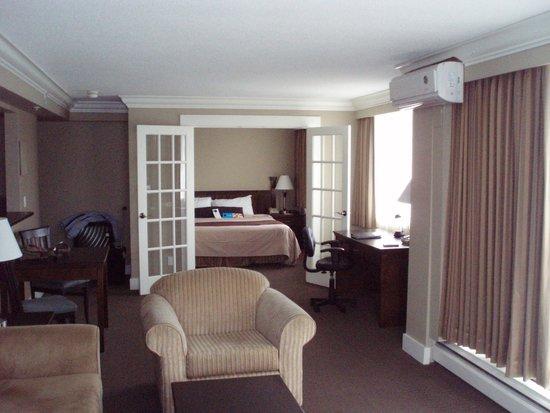 Century Plaza Hotel & Spa: huge room!!!