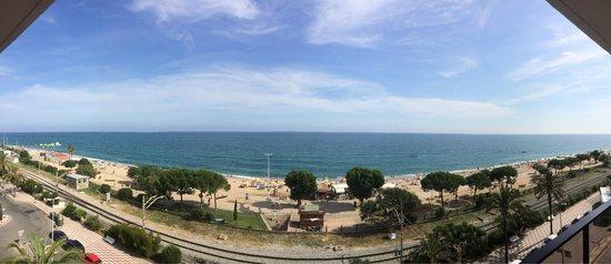 Aqua Hotel Promenade: The seaview from the balcony