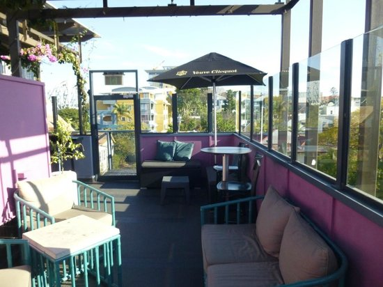 Spicers Balfour Hotel: Top Deck Bar & Seating