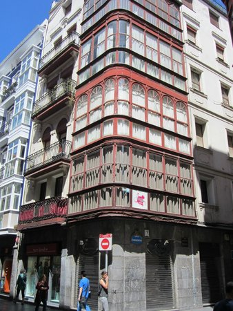 B B op 1e verdieping - Picture of AliciaZzz Bed   breakfast bilbao ... a0103ec27d4