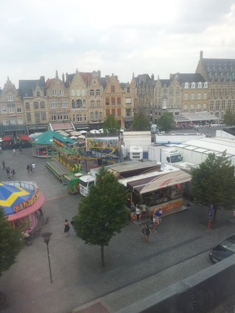 Hotel O Ieper - Grote Markt : view from our room