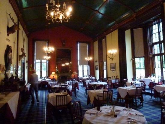 Atholl Arms Hotel: main dining room