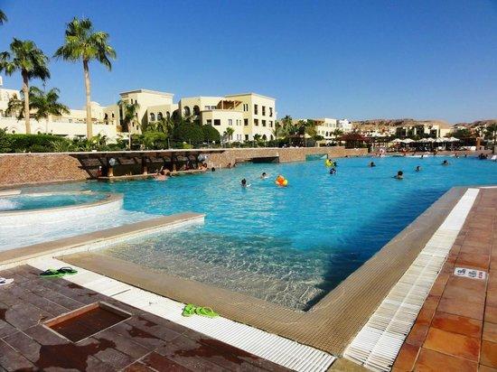 Radisson Blu Tala Bay Resort, Aqaba: Piscina principale