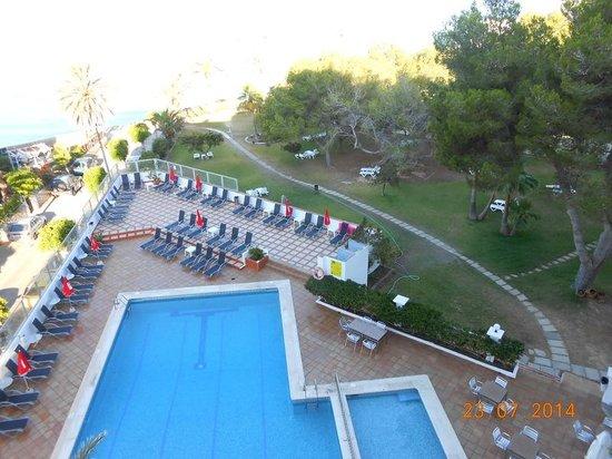 Abrat Hotel: piscina