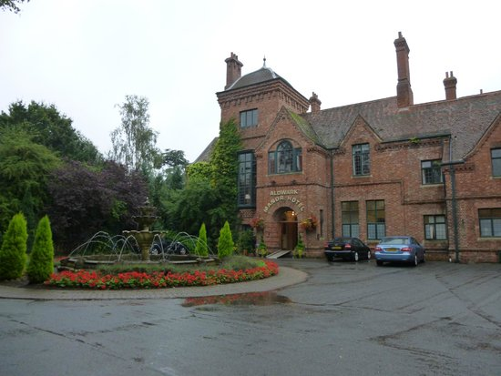 Aldwark Manor Golf & Spa Hotel: Main entrance