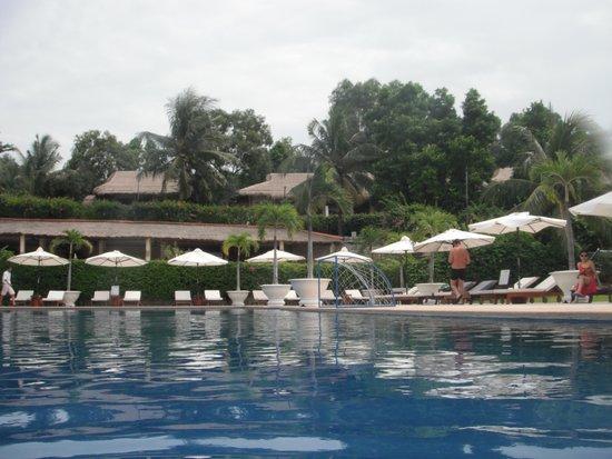 Victoria Phan Thiet Beach Resort & Spa: infinity pool